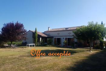 Maison récente de très bonne facture, au coeur d'un village, près de Cordes